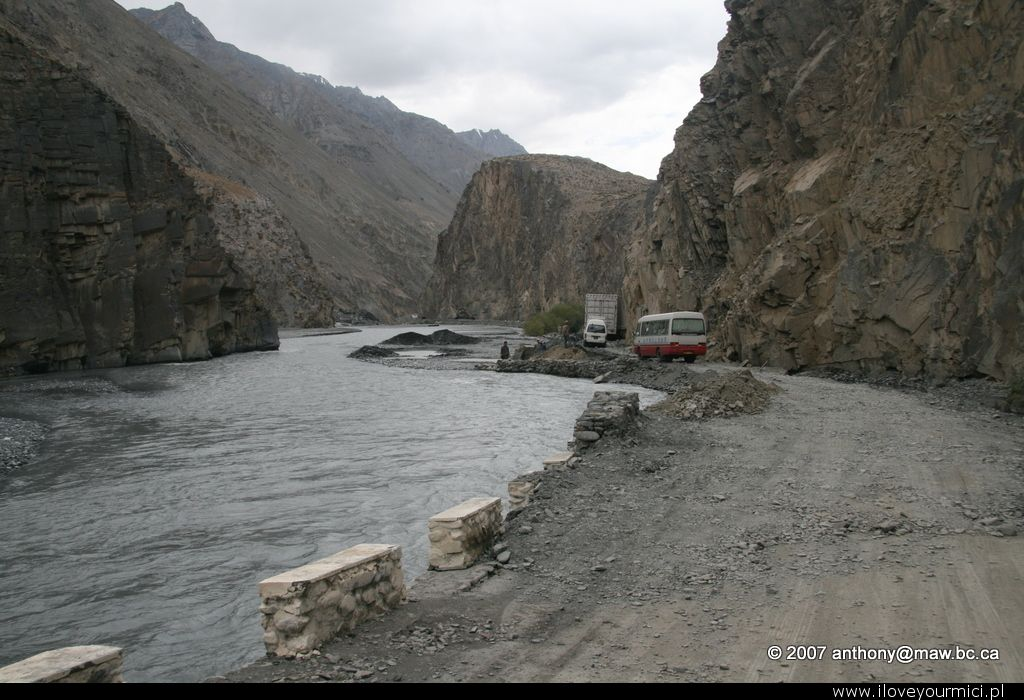 karakorak highway, china, pakistan, border, kkh